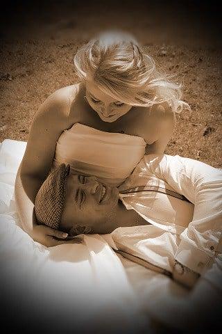 Bruidspaar in sepia, foto nabewerking door fotograaf