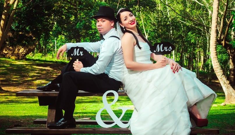 Accessoires fotoshoot bruidspaar