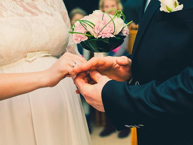 Ceremonie bruiloft, ja-woord, ringen uitwisselen kosten