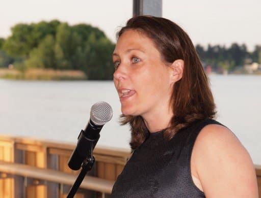 Trouwambtenaar Cindy van der Velden