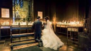 Bruidsfotograaf Maastricht, kerkelijke inzegening bruidspaar - Ad Utens