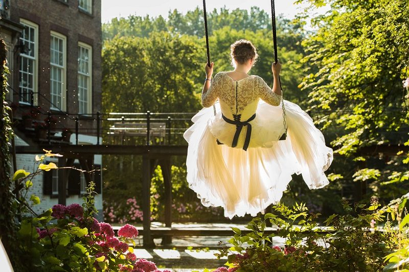bruid-schommel-kasteel-trouwfotografie-lisse-theo