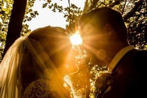 bruidsfotograaf-lisse-bruidspaar-sluier