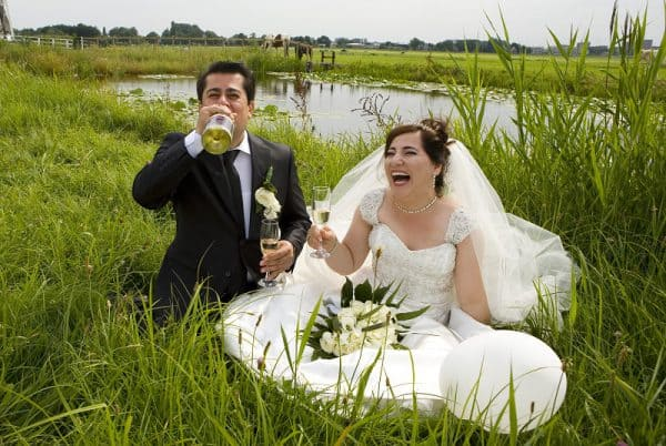 bruidspaar-trouwjurk-weiland-hollands-den-haag-kessel-goedkoop