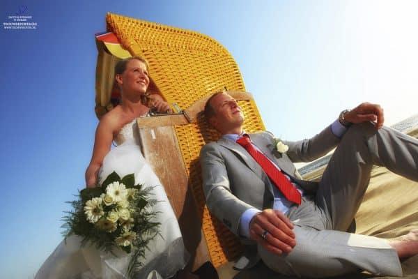 trouwfotograaf-akersloot-alkmaar-trouwreportage-strand-Jacco