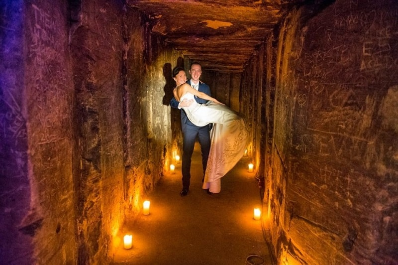 Trouwfotograaf Sittard, mergelgroeve Maastricht bruidspaar trouwreportage, Eric