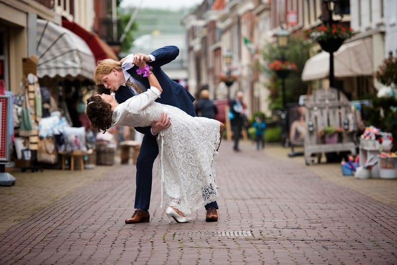 trouwreportage-den-haag-bruid-kanten-jurk-theo