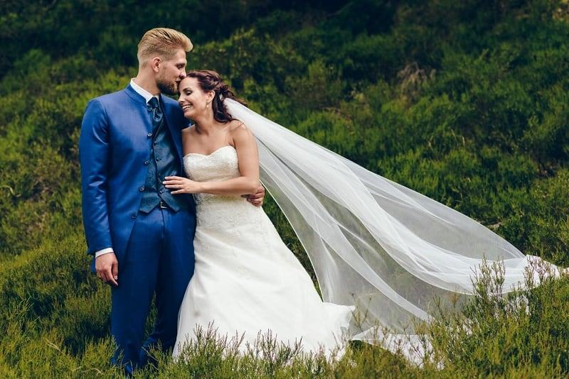 goedkope-trouwjurk-heide-groet-bruiloft-bakker-sluier
