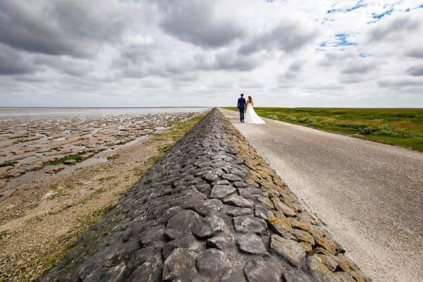 Bruidsfotograaf Friesland dijk betaalbare trouwreportage, Fonger