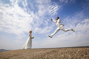 Goedkope bruidsfotograaf Leeuwarden, dijk Friesland trouwreportage bruiloft, Fonger