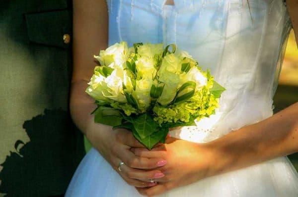 Betaalbare trouwfotograaf Den Bosch, bruidsboeket, Pim