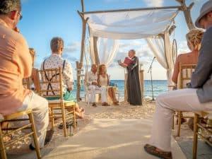 Huwelijksvoltrekking strand, zomer zand, Dick