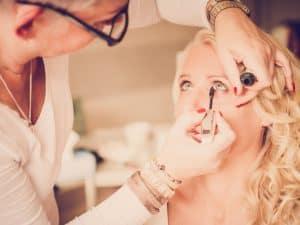 4. Fotograaf bruiloft Friesland, Dokkum, make-up bruid visagist, Nickie