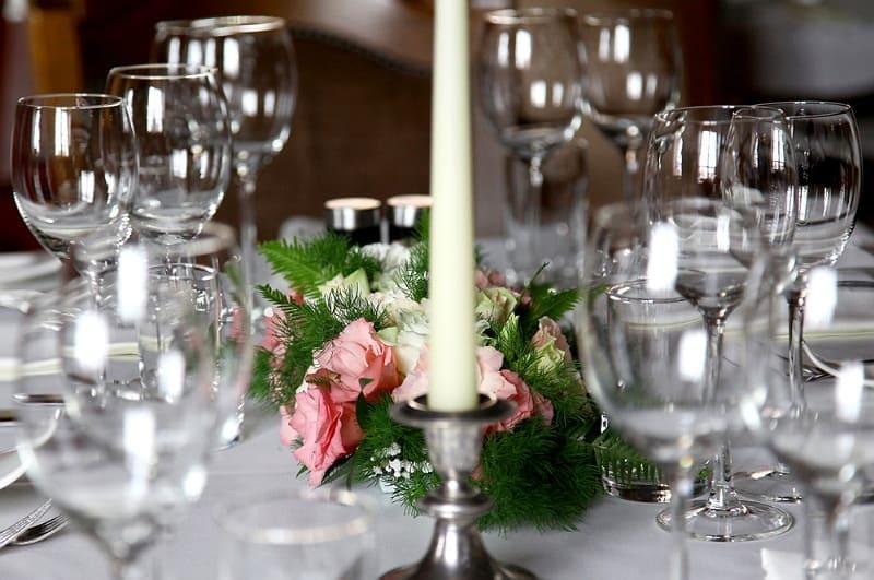 Bruidsfotografie Breda, tafel dinner, Frans