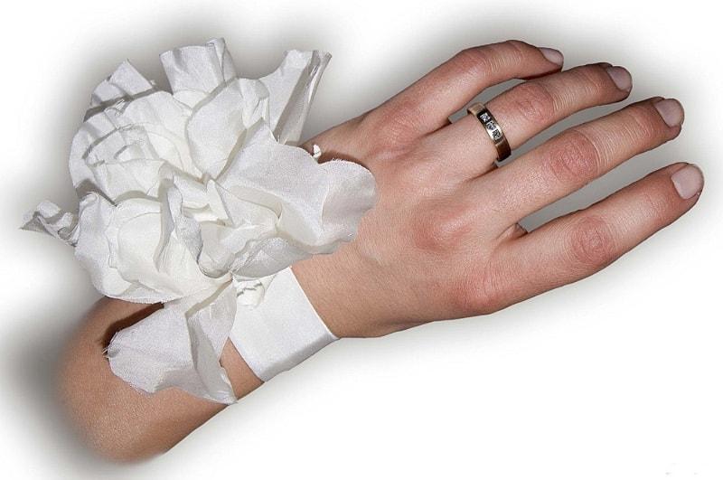 Polscorsage bruid, huwelijk Brabant Tilburg, Frans