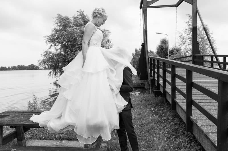 Trouwfotograaf Hoofddorp, bruids met bruidsjurk, Peter