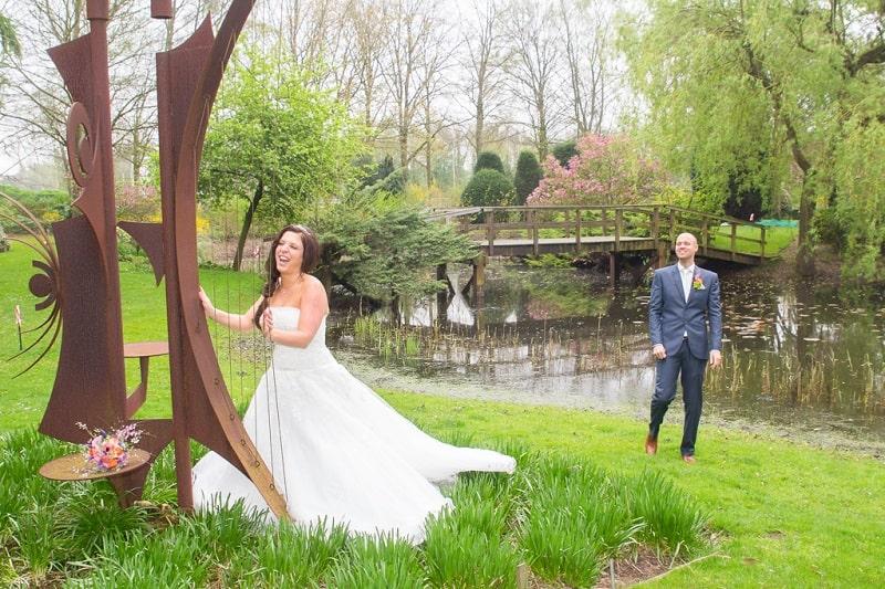 Trouwfotograaf Breda, bruiloft buiten, Michelle
